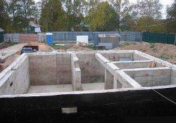Создание фундамента для дома с цокольным этажом